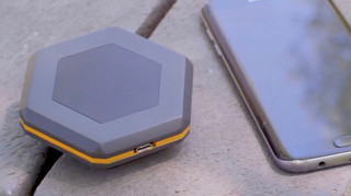 「Sonnet」電波塔を一切つかわずにデバイス同士がつながることでコミュニケーション.jpg